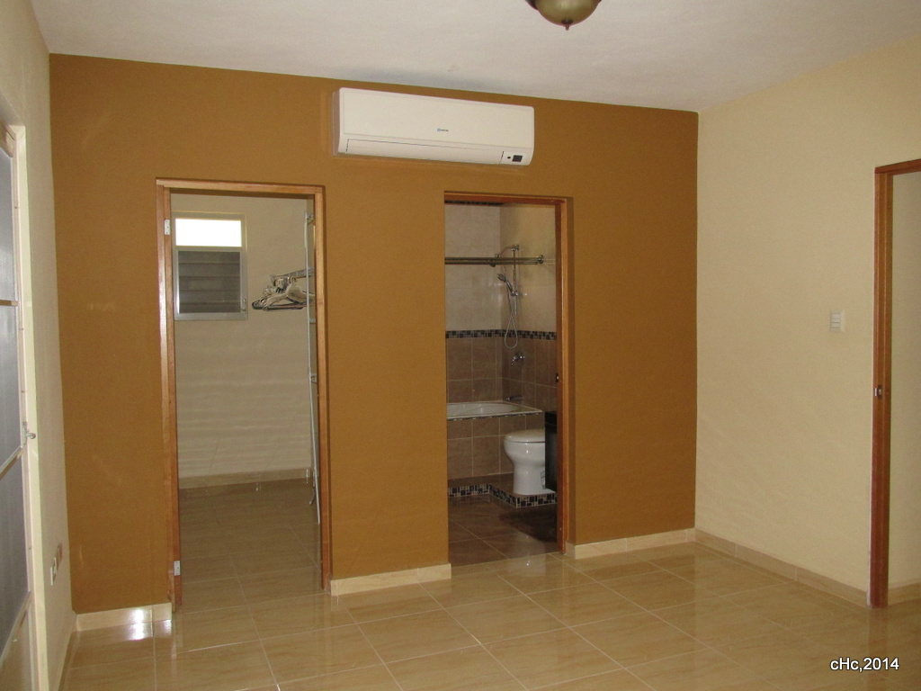 Master 15x30 con walk-in closet, consola inverter,